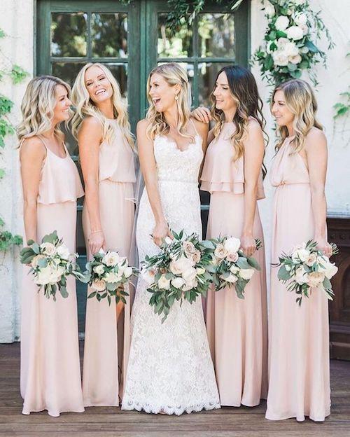 tenue invitée mariage pastel