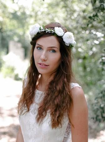 coiffure mariée couronne de fleurs