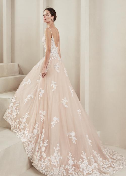 robe de mariée couleur champagne Alma Novia 2019