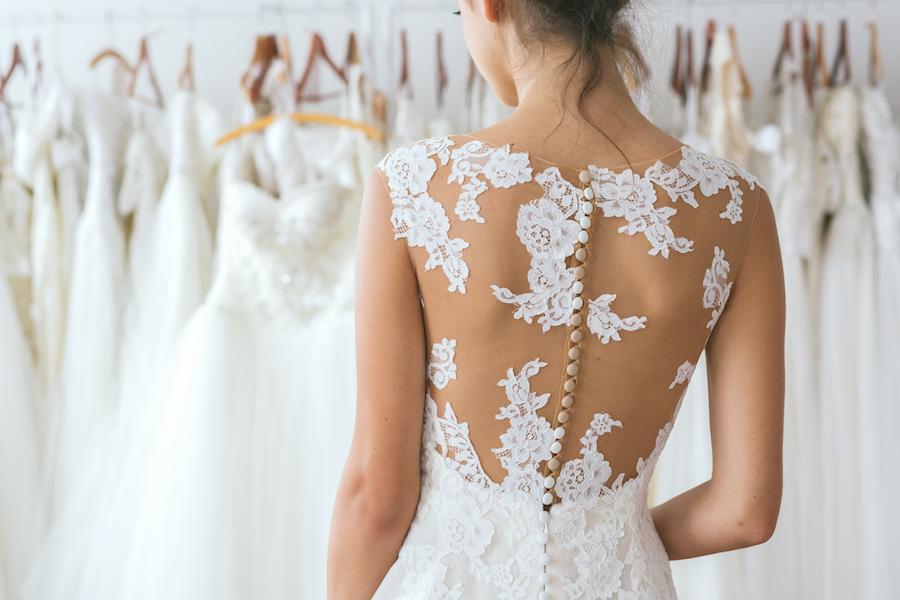 70b66fa9e64720 Comment choisir sa robe de mariée selon sa morphologie ? - mariée.fr