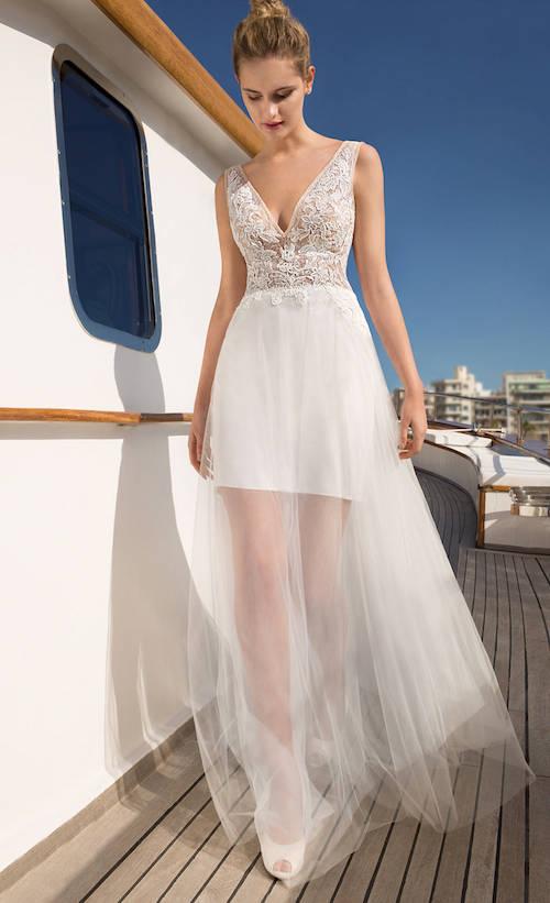 destination romance collection 2019, modèle de robe de mariée originale et asymétrique