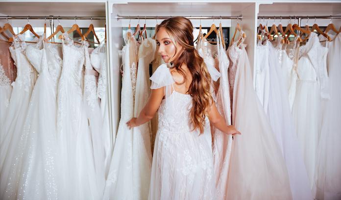 essayage robe de mariée, boutique mariage