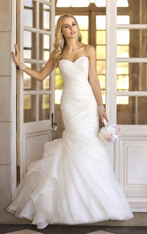 robe de mariée asymétrique Stella York