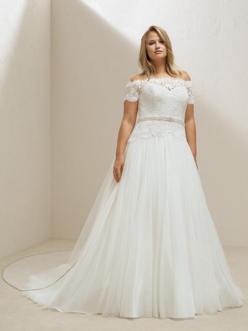 robe de mariée grande taille pronovias