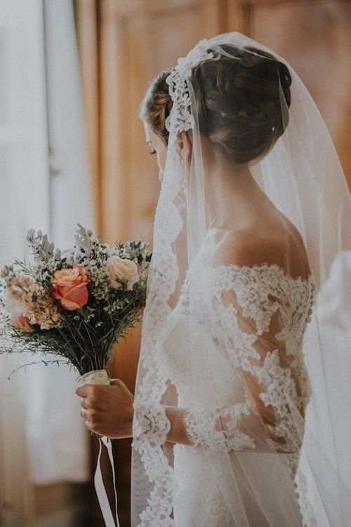 20 Idees De Chignons Pour Votre Coiffure De Mariage Mariee Fr