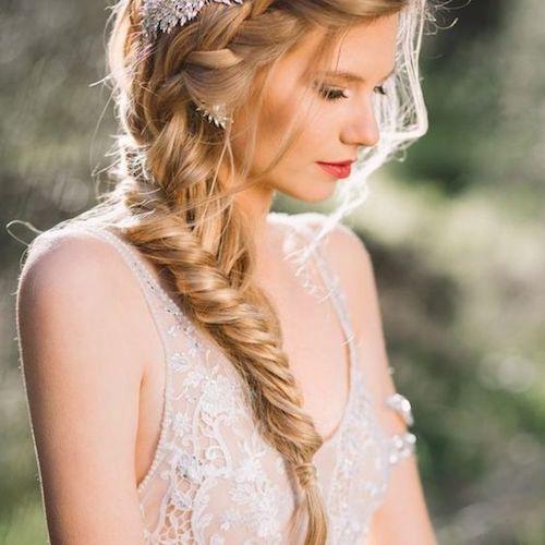 tresse en épi de blé mariage, tendance coiffure mariage