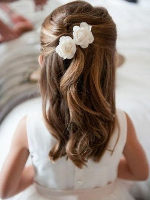 25 Idées De Coiffures De Mariage Pour Petite Fille