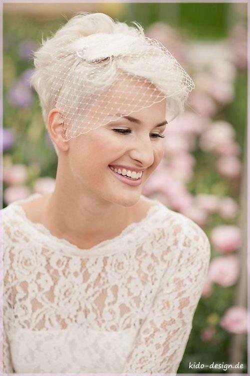 coiffure mariage sur cheveux courts