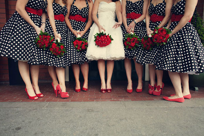 tenue invité mariage rétro