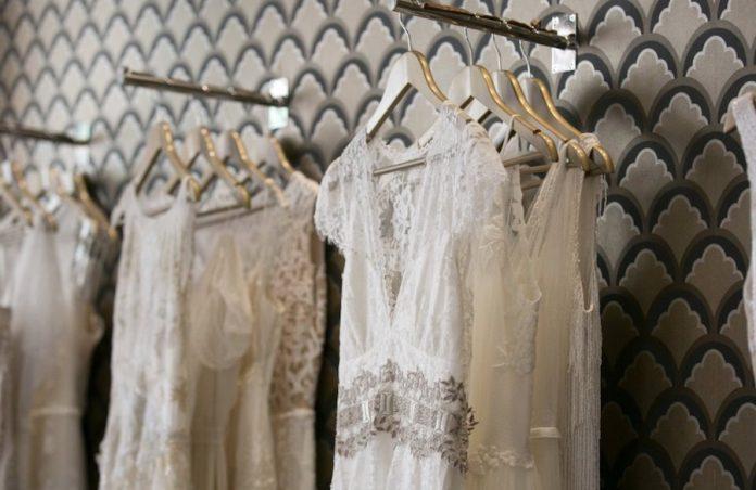5 boutiques incontournables de robes de mariée à Paris