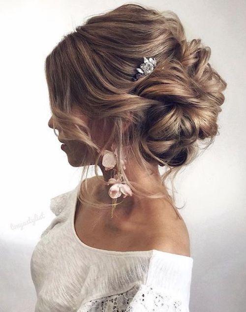 Invitée à un mariage ? 20 coiffures parfaites pour le jour J !