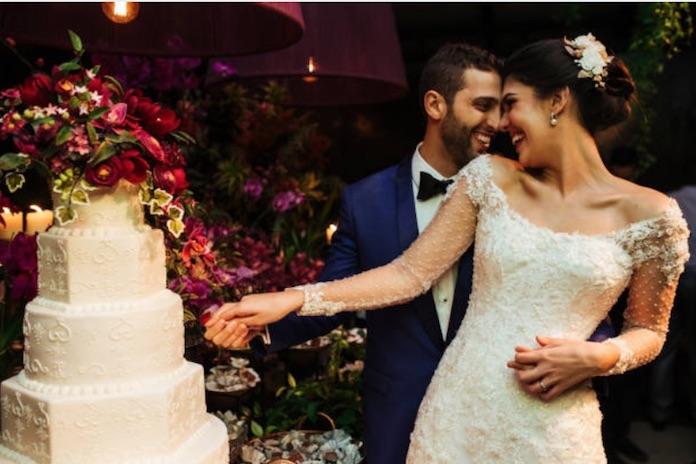 découpe gâteau mariage