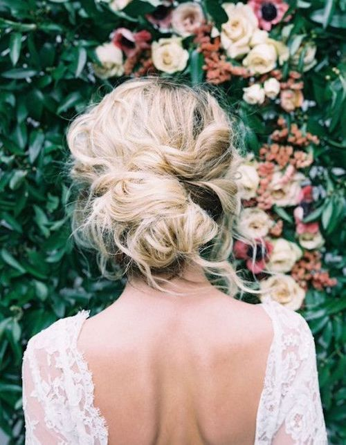 coiffure mariage cheveux mi longs