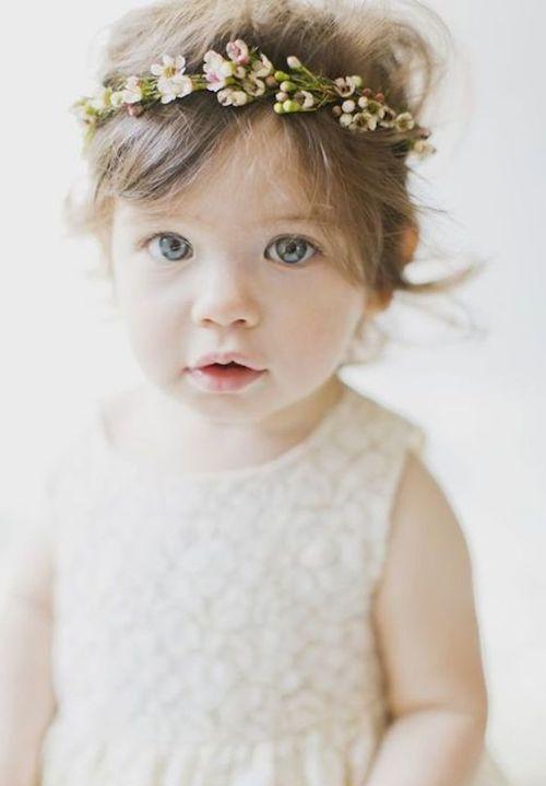 coiffure bébé cérémonie mariage