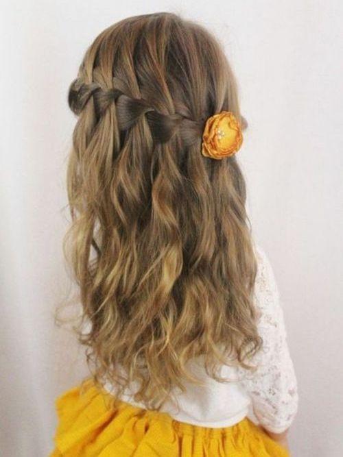 idée coiffure cérémonie enfant