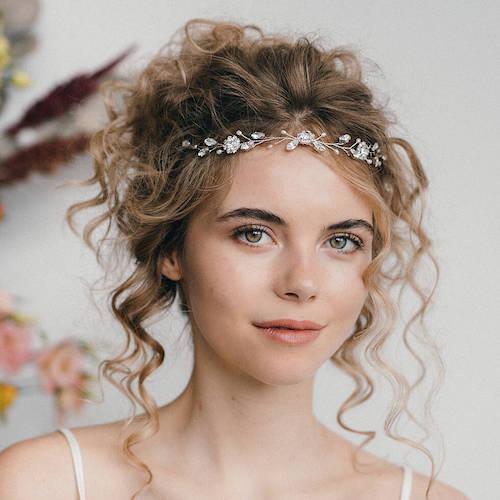 coiffure mariage cheveux bouclés