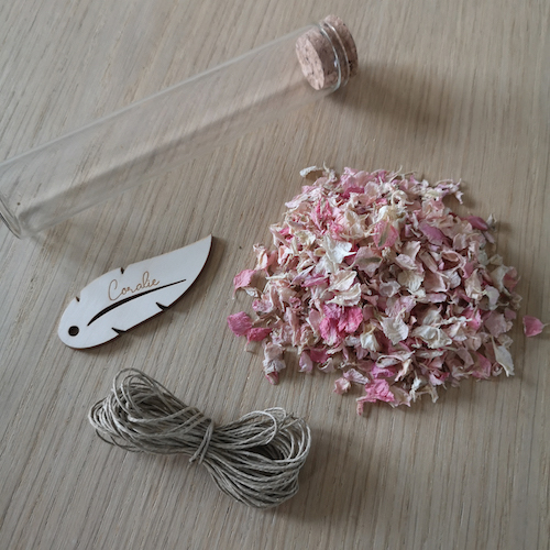 DIY marque-place mariage fleurs séchées